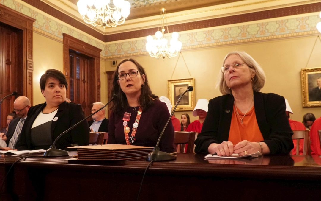 Along party lines, House committee advances abortion bill